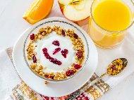Рецепта Кисело мляко с мармалад, чиа, ябълки и овесени ядки